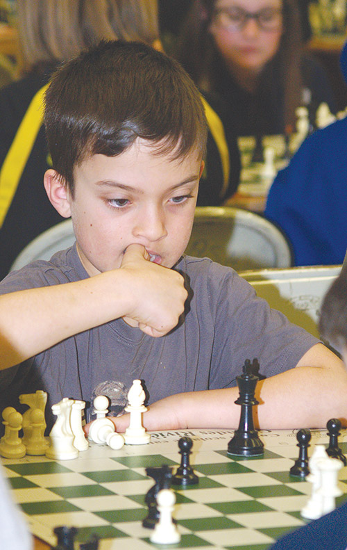 Northern Ontario News - Students check their moves at Community Chess tourney