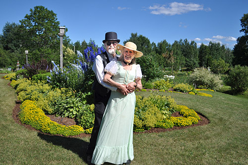 Northern Ontario News - The Temiskaming Speaker - First gallery garden party a success