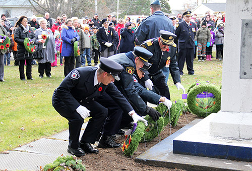 Temiskaming Shores - The Speaker - Newspaper - Remembrance Day Wreaths